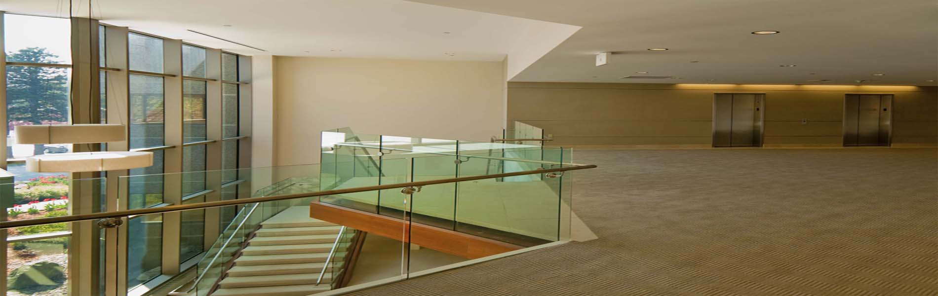 balcony-glass-for-offices