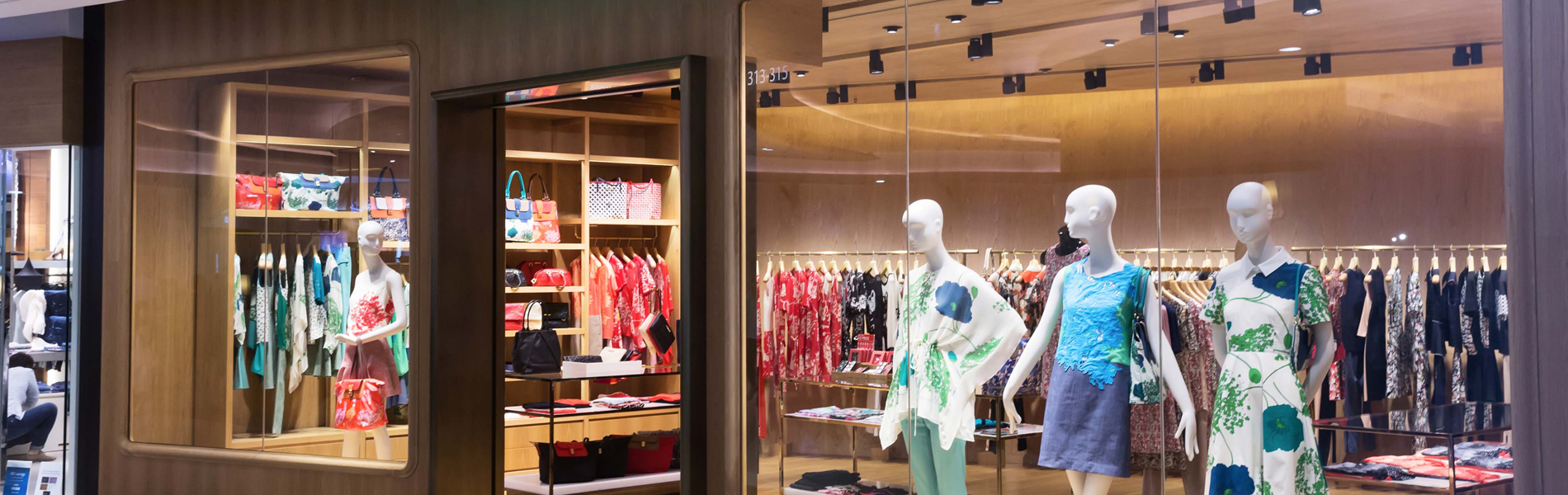 shop-front-display-glass