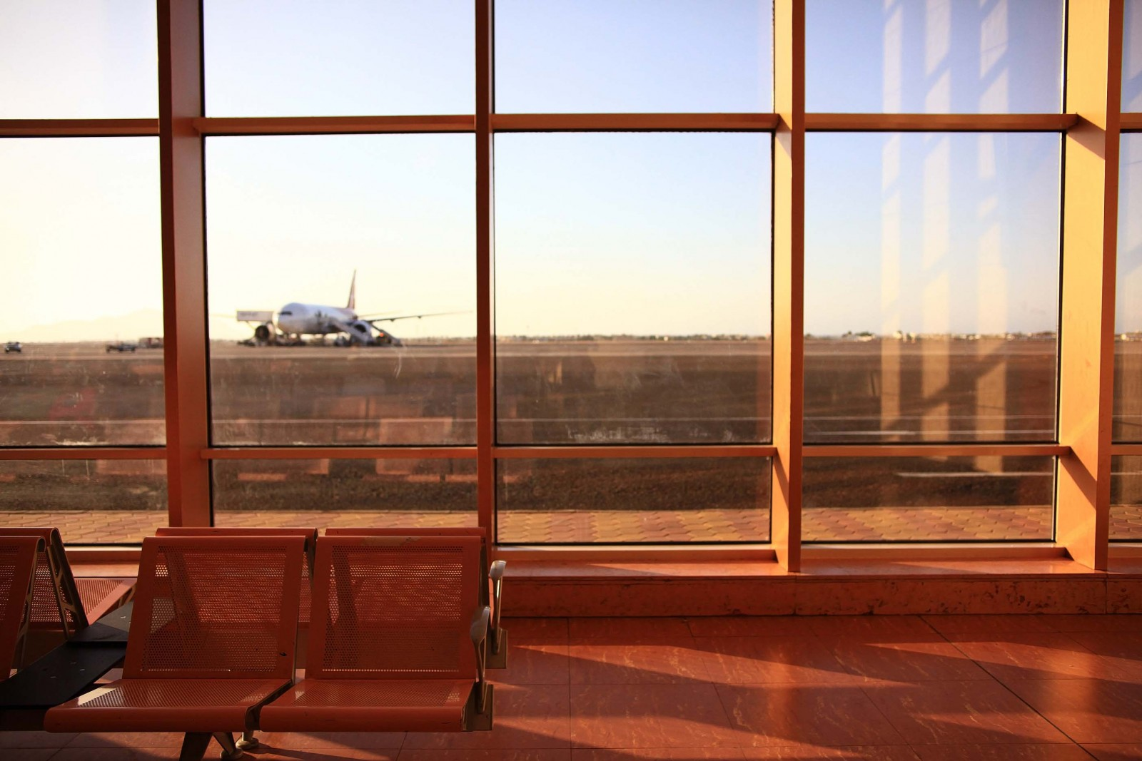 acoustic-glass-for-airports
